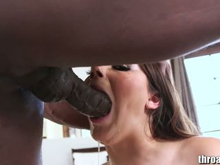 brunetă, sex oral, deepthroat