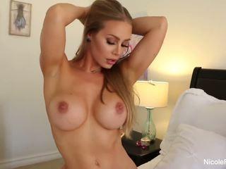 Nicole aniston uses เธอ เซ็กส์ทอยเหมือนไฟฉาย บน a ยาก ควย