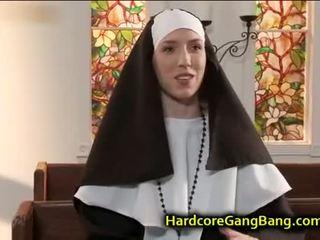 黑妞, 團體性交, 口交