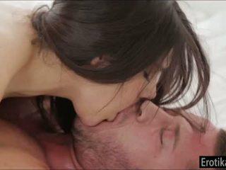 बस्टी valentina nappi enjoys wakeup सेक्स