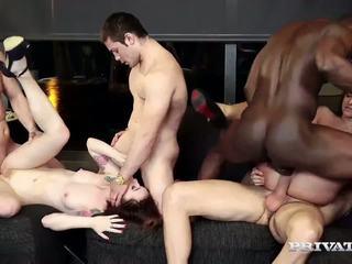 Amirah adara in misha prečkamo imajo an orgija: brezplačno hd porno 70
