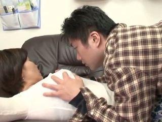Apreibtas japānieši māte gets ļaunprātīgu līdz viņai puika