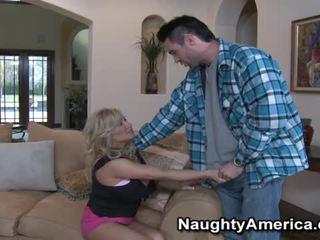 veľké prsia, pornohviezdami, big tit bitch gets fuck