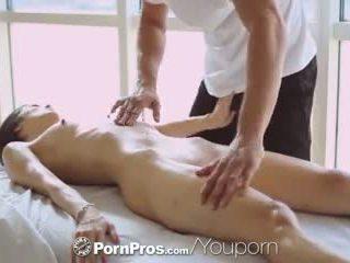 Pornpros - Καυτά ασιάτης/ισσα beauty elana dobrev gets ένα σέξι τρίψιμο κάτω
