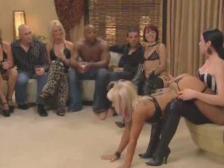 nhóm quan hệ tình dục, ăn chơi, blowjob