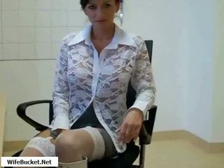 热 妈妈 性交 在 办公室 视频