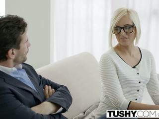 Tushy heet secretaresse kate england gets anaal van klant