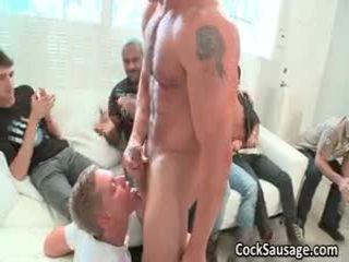 Καυλωμένος/η homo boys έξω του έλεγχος