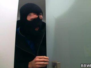 I lured yang pencuri nearby saya gergasi payu dara