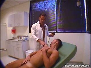 Damian ford und jay ross spielen doktor und nehmen anal temperatures