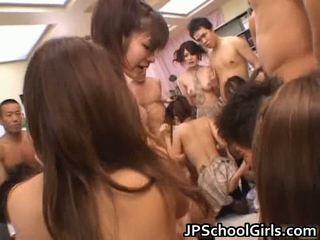 Žiūrėti nemokamai azijietiškas porno į mokykla mergaitė uniforma nemokamai srautas