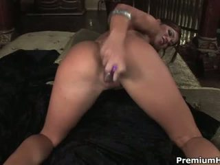 Horny Babe Alyssa Reece Fucking Her Twat And Asshole With Dildo