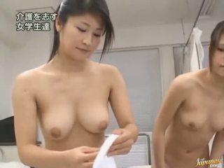 Japonais av modèle est forcé à avoir sexe