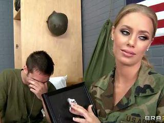 Quân đội bé nicole aniston fucked lược trong camp video