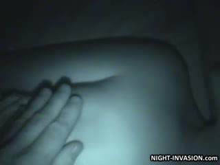 Guminő stroking shaft -ban alvás