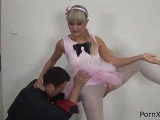 Freaky ballet dancer anita has направен любов wazoo по време на на rehearsal