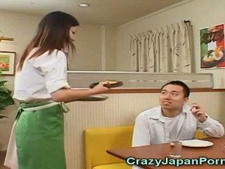 Луд порно с японки waitresses!