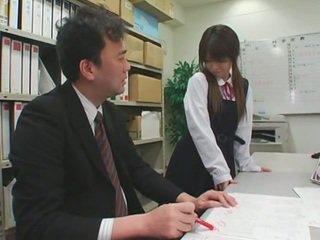 Faciale cumshots sur asiatique schoolgirls