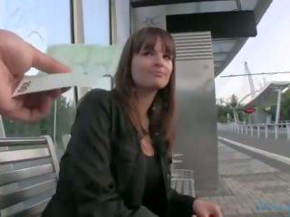 Nyilvános agent - cseh lány fucks tovább a grass (huuu)