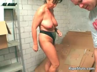 Mature brunette slut suck on hard cock