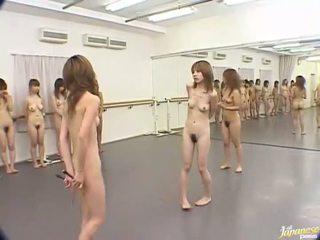 日本語 女の子 are クレイジー 女性たち