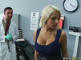 Lylith lavey getting körd av henne doktorn video-
