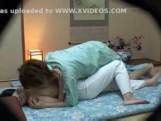 হোটেল masseuse used দ্বারা হোটেল guest
