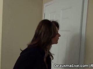 Vyzreté milfka deauxma volania lezbické eskorta na prísť súložiť ju!