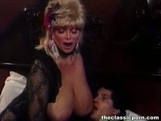 Blondin slampa med stor tuttarna fucks guy