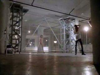 Angelina jolie v prva seks scene