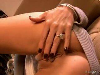 Kelly madison đồ chơi cô ấy moist sexy trên các đi văng