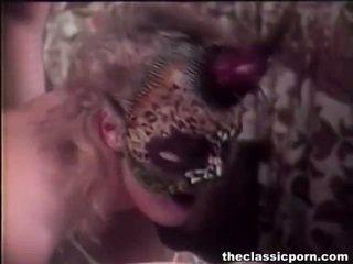 hardcore sex, pornostaari, porn tüdruk ja mehed voodis