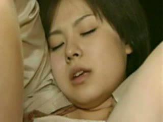 Maminka a dcera going trough horror - šílený japonská hovno video