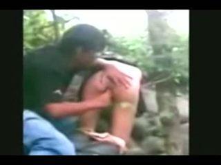 Indonesia- jilbab hijab 女の子 ファック バイ bf で a ジャングル