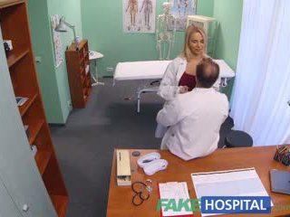 Fakehospital नई नर्स takes double कमशॉट से हॉर्नी डॉक्टर
