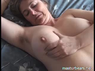 Orgasm la acasă pieptoasa frances milf martine video