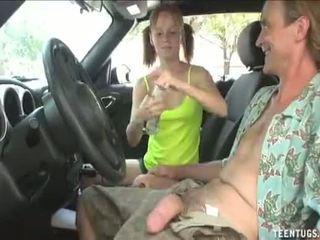 Malibog tinedyer beyb pagtatalik na pangkamay sa ang sasakyan puno video: http://adf.ly/1tv6mk