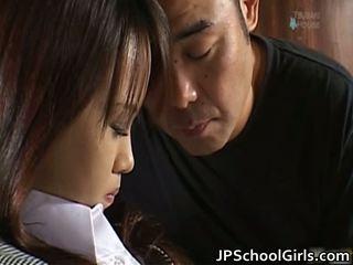 Haruka aida יפה אסייתי תלמידת בית ספר