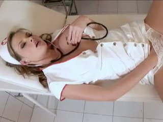 Wicked perawat tarra putih acquires herself mesum nang the clinic