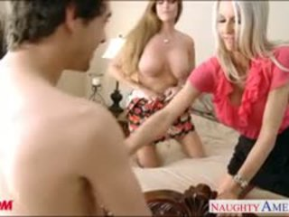 Mamme darla crane e emma starr gets scopata e facialized