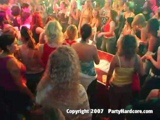 集団セックス, パーティー, クラブ