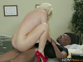 Hdvpass stor titty sykepleier alexis ford rides pikk