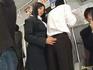 Saori hara ال التايلاندية stunner gives ل لعق في ال subway
