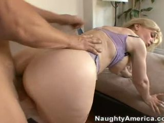 10 pounder loving nina hartley enjoys a jus spray of jago goo on her ravishing mouth