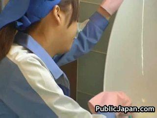 japonec, xvideos, záchod