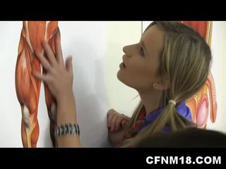 Karštas paauglys schoolgirls į kulnai šūdas mokytojas cfnm