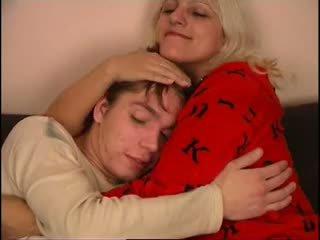 Krievi māte un nav viņai dēls