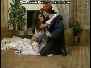 Hübsch dame im retro porno film