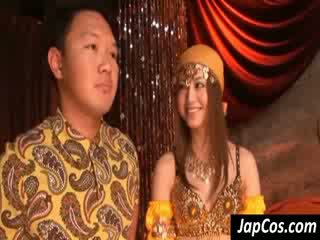 Asiática cutie jugar arabic dancer