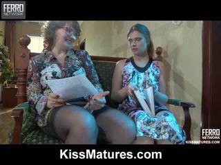 Flo&alana pussyloving momen onto video-